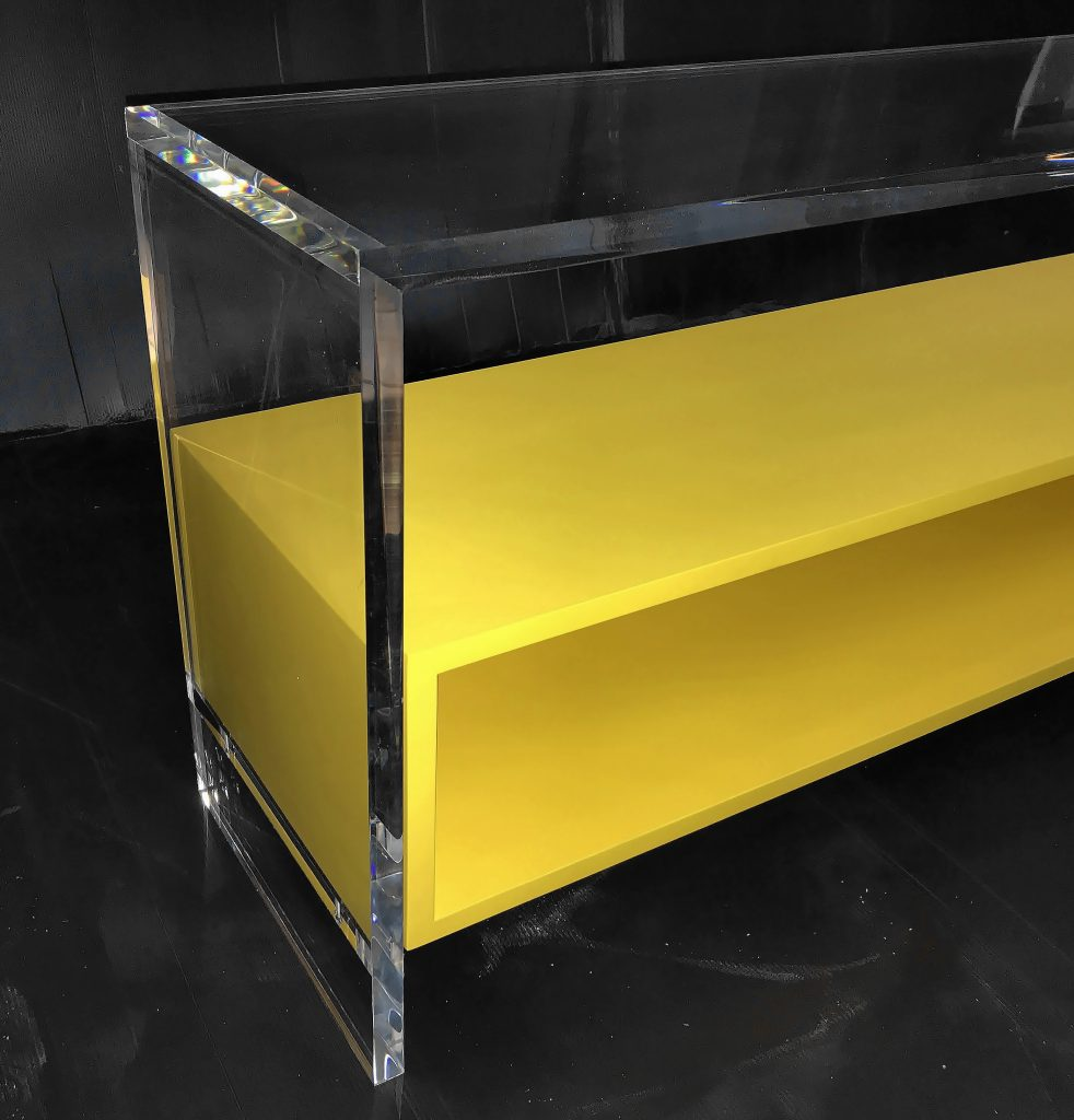 Акриловая мебель