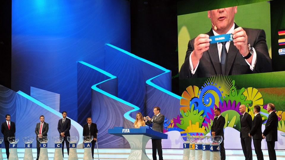 Чаша для жеребьевки FIFA